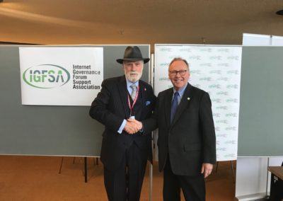 Markus Kummer welcomes one of the Fathers of the Internet and IGFSA Member Vint Cerf at the IGFSA Booth